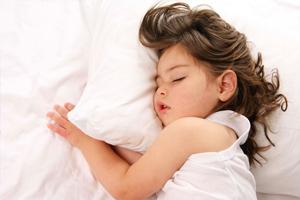 Ребенок стонет во сне после рождения