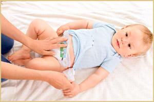 Замена подгузников ребенку