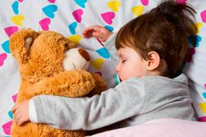 Приучаем ребенка засыпать без груди