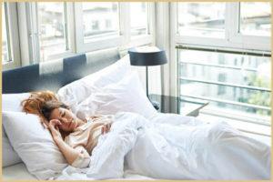 Кровать в спальне: как нельзя ставить