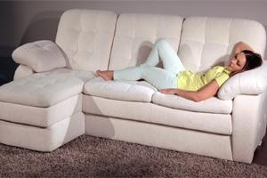 Можно ли спать на диване?